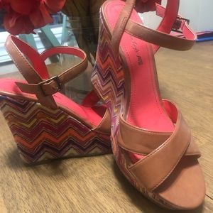 American Eagle Wedge Sandals Size 7